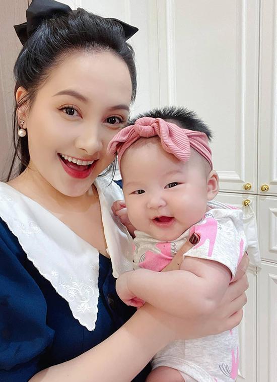 Lý do khiến chồng Bảo Thanh bỏ công việc ổn định làm quản lý cho vợ ảnh 4