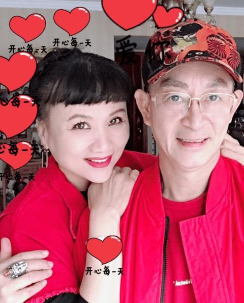 'Tôn Ngộ Không' Lục Tiểu Linh Đồng kỉ niệm 33 năm cưới bà xã là bạn diễn 'yêu quái' ảnh 2