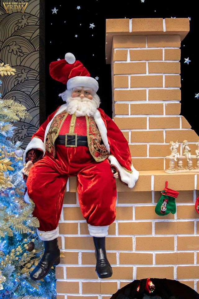 Choáng ngợp sắc màu Noel trong biệt thự 60 tỷ của Đàm Vĩnh Hưng - ảnh 6