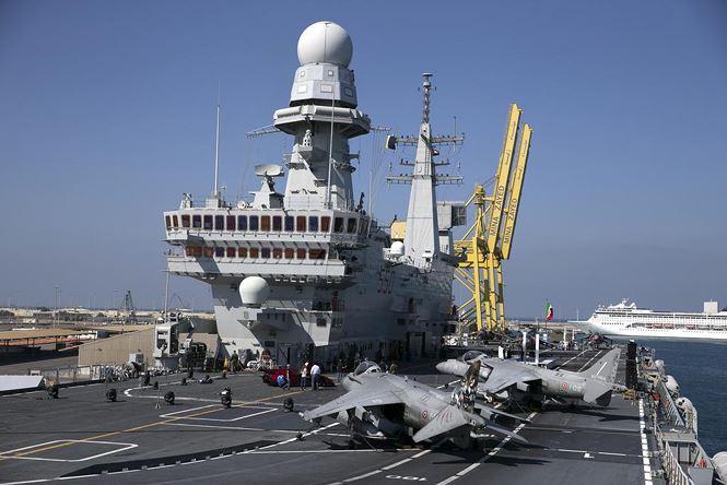Nhật biến tàu khu trục thành tàu sân bay thế nào? - ảnh 2