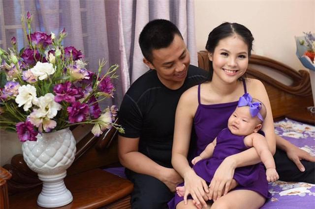 Những nghệ sĩ Việt lấy vợ kém nhiều tuổi, cách biệt lớn nhất là 44 năm - ảnh 5