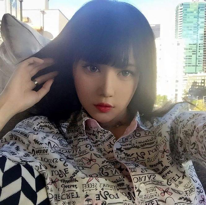 Ngỡ ngàng mặt mộc của 'búp bê sống' Kina She với vẻ đẹp siêu thực - ảnh 6