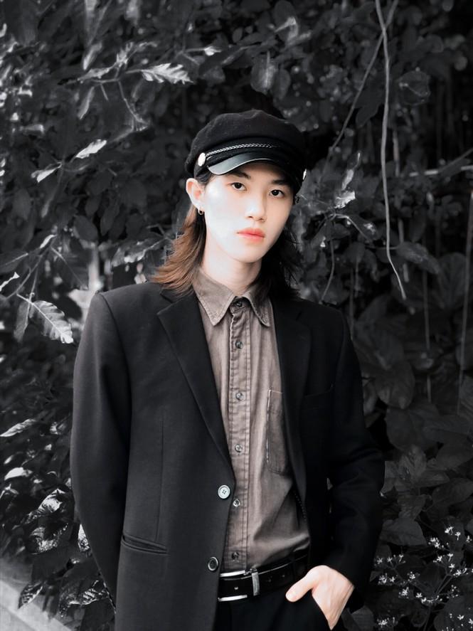Chàng trai sở hữu vẻ đẹp gây sốc thách thức chuẩn mực giới tính - ảnh 6
