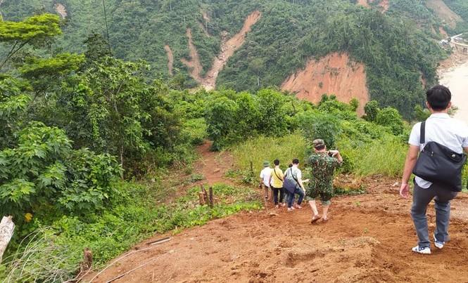 Khẩn cấp tiếp tế lương thực cho hơn 3000 hộ dân bị cô lập - ảnh 1