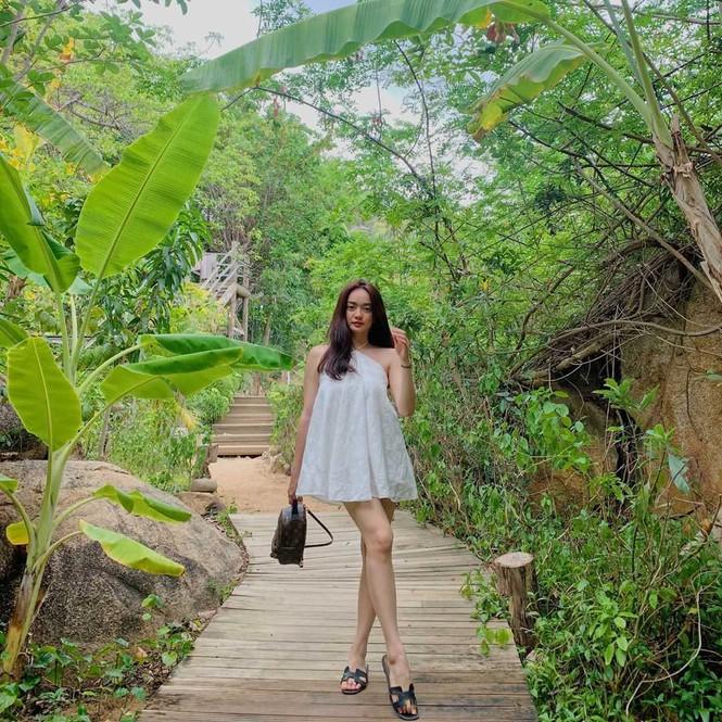 Sắc màu mùa Hè tươi mát tràn ngập trong phong cách thời trang của sao Việt tuần qua - ảnh 6