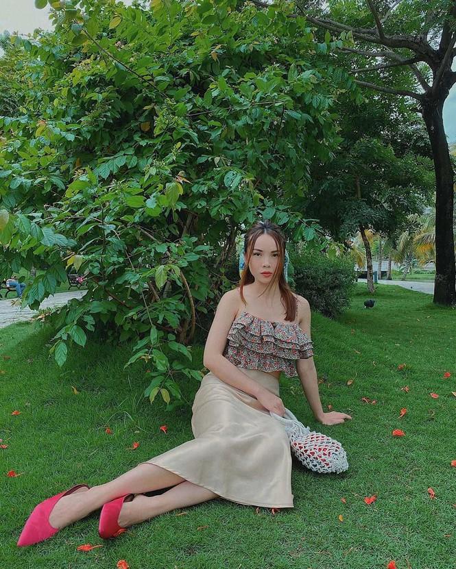 Sắc màu mùa Hè tươi mát tràn ngập trong phong cách thời trang của sao Việt tuần qua - ảnh 8