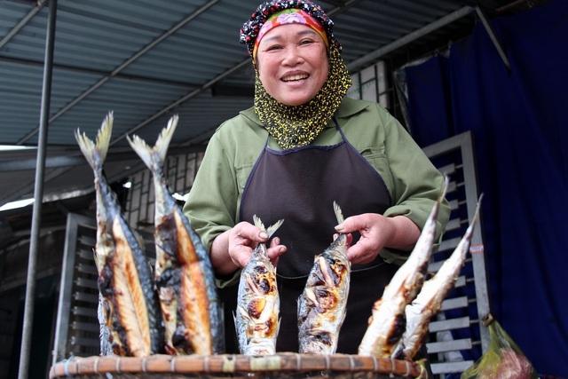 Về làng cá nướng thơm nức mũi nổi tiếng bậc nhất Hà Tĩnh - ảnh 10