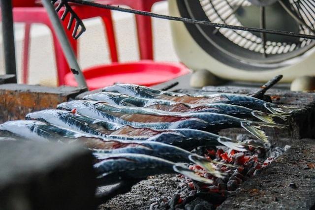 Về làng cá nướng thơm nức mũi nổi tiếng bậc nhất Hà Tĩnh - ảnh 6