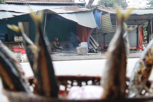 Về làng cá nướng thơm nức mũi nổi tiếng bậc nhất Hà Tĩnh - ảnh 2