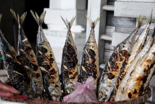 Về làng cá nướng thơm nức mũi nổi tiếng bậc nhất Hà Tĩnh - ảnh 11
