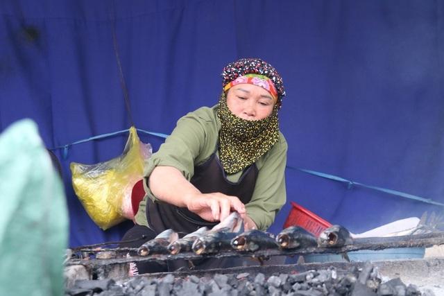 Về làng cá nướng thơm nức mũi nổi tiếng bậc nhất Hà Tĩnh - ảnh 8