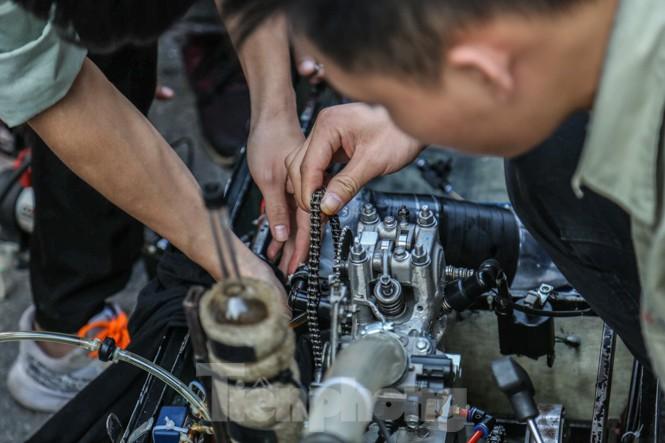 Chi tiết chiếc xe chạy hơn 1.000 km chỉ tốn một lít xăng xuất hiện ở Hà Nội - ảnh 10