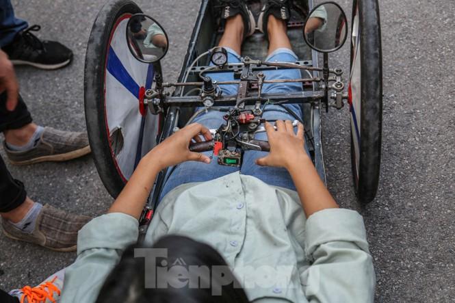 Chi tiết chiếc xe chạy hơn 1.000 km chỉ tốn một lít xăng xuất hiện ở Hà Nội - ảnh 6