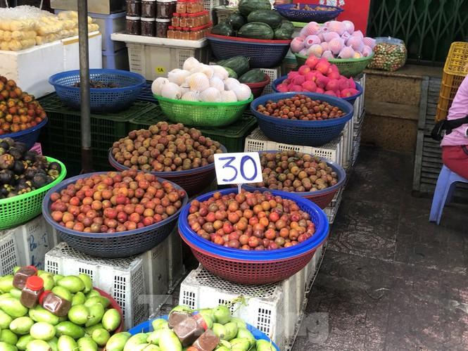 Mận Hà Nội vào Sài Gòn, giá 'loạn cào cào' - ảnh 6