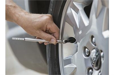 Có nên bơm khí nitơ cho lốp xe, ưu và nhược điểm?