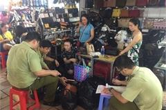 Kiểm tra chợ 'nhà giàu' Sài Gòn, phát hiện hàng ngàn sản phẩm giả, nhái