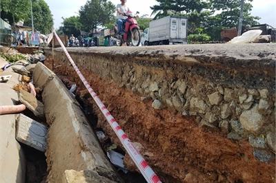 Đường trên đảo Phú Quốc bị tàn phá nghiêm trọng sau trận lụt lịch sử