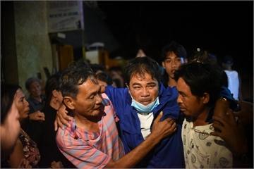 Rưng rưng khoảnh khắc hồi hương của 3 ngư dân 'trở về từ cõi chết'