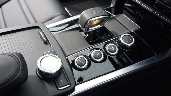 Những bộ phận bẩn nhất trong khoang cabin ôtô - ảnh 3