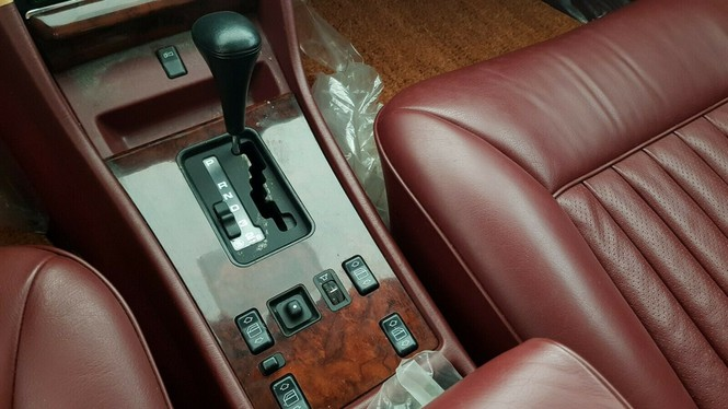 Xe Mercedes 33 năm tuổi còn 'mới cứng' định giá gần 4 tỷ đồng - ảnh 7