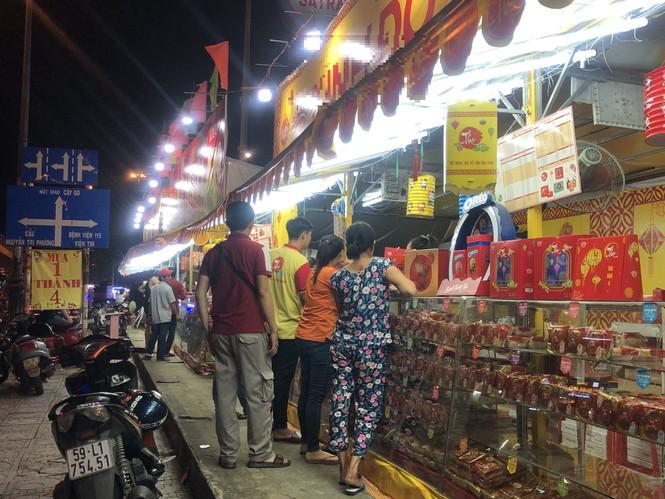 Chiêu trò bán bánh trung thu 'đại hạ giá' ở Sài Gòn - ảnh 7