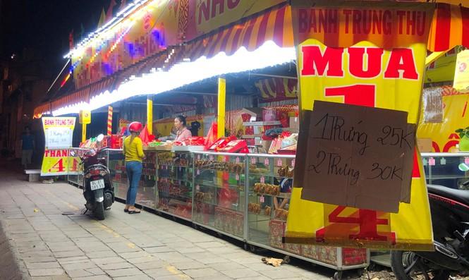 Chiêu trò bán bánh trung thu 'đại hạ giá' ở Sài Gòn - ảnh 5