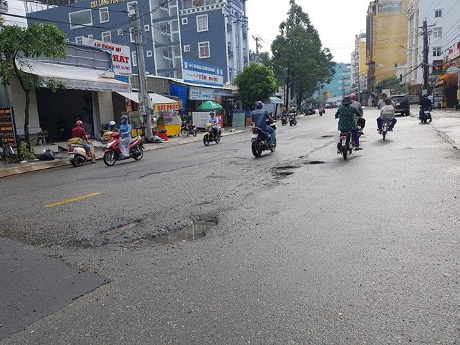 Đường sá Phú Quốc bị tàn phá nghiêm trọng sau trận lụt lịch sử - ảnh 4
