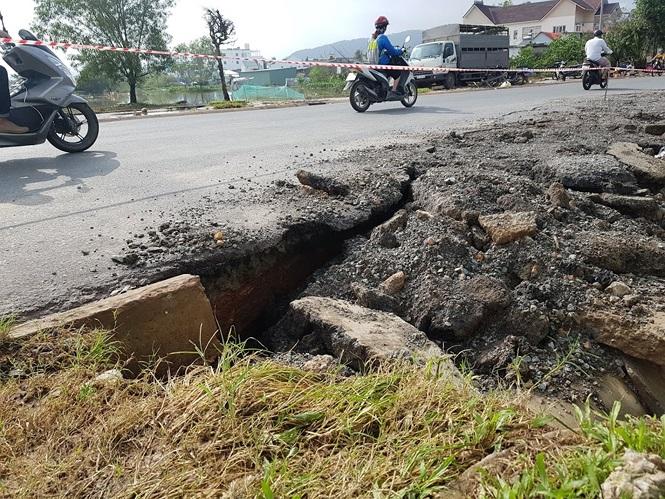 Đường sá Phú Quốc bị tàn phá nghiêm trọng sau trận lụt lịch sử - ảnh 11