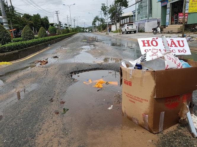 Đường sá Phú Quốc bị tàn phá nghiêm trọng sau trận lụt lịch sử - ảnh 2