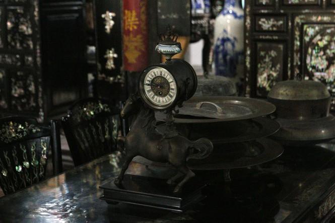 Chiêm ngưỡng chiếc giường cổ có giá bạc tỷ ở Đồng Tháp - ảnh 16