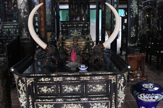 Chiêm ngưỡng chiếc giường cổ có giá bạc tỷ ở Đồng Tháp - ảnh 17