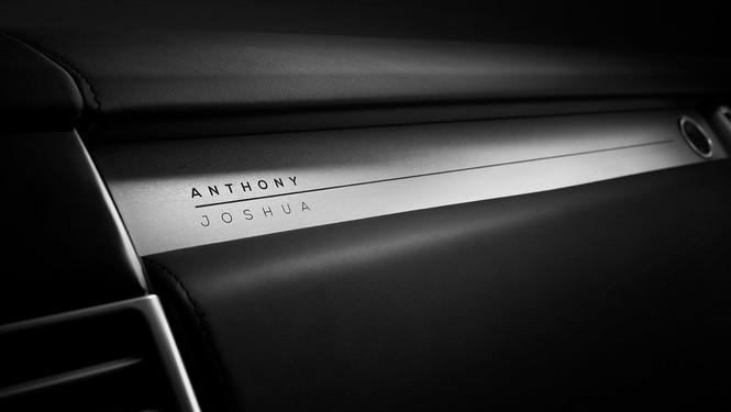 """Nhà vô địch quyền anh Anthony Joshua sở hữu phiên bản """"độc nhất vô nhị""""Range Rover SVAutobiography - ảnh 3"""