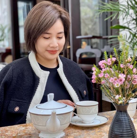 Nhan sắc bà xã kín tiếng của BTV Quang Minh - ảnh 7