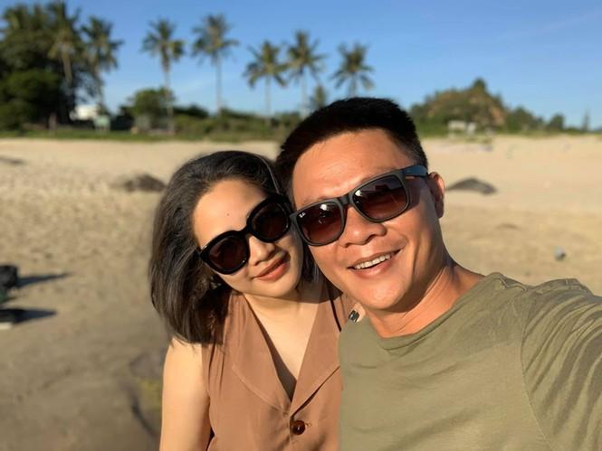 Nhan sắc bà xã kín tiếng của BTV Quang Minh - ảnh 2