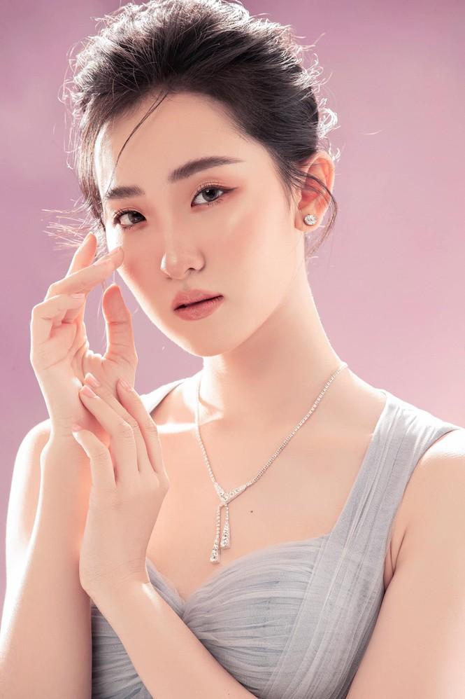 Cô gái có vẻ ngoài giống Lưu Diệc Phi xin rút khỏi cuộc thi Hoa hậu Việt Nam 2020 - ảnh 6