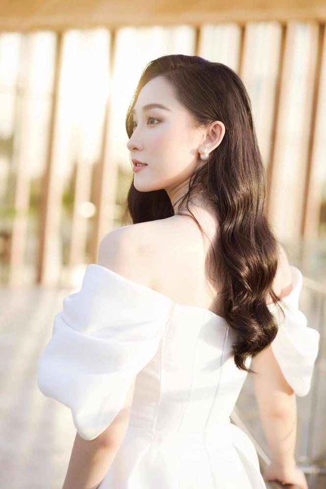 Cô gái có vẻ ngoài giống Lưu Diệc Phi xin rút khỏi cuộc thi Hoa hậu Việt Nam 2020 - ảnh 8