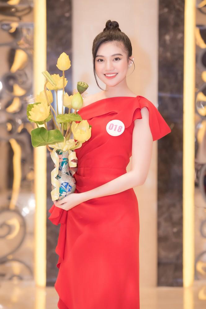 Nhan sắc 6 thí sinh đến từ TP.HCM vào Chung kết Hoa hậu Việt Nam 2020 - ảnh 1