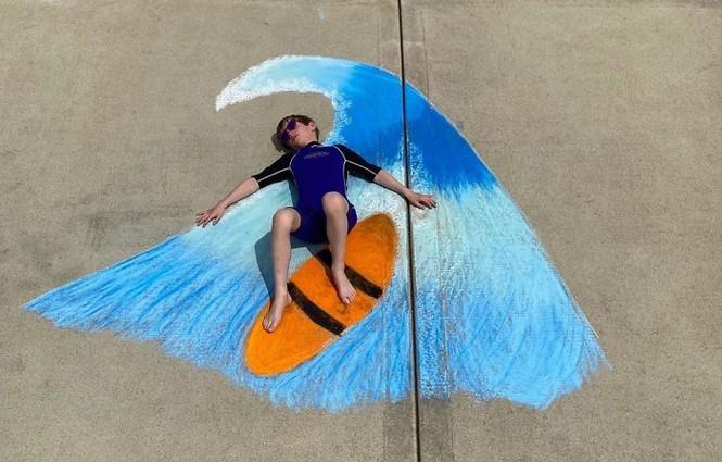 Cậu bé 14 tuổi vẽ tranh 'du lịch vòng quanh thế giới' cho em trai - ảnh 20