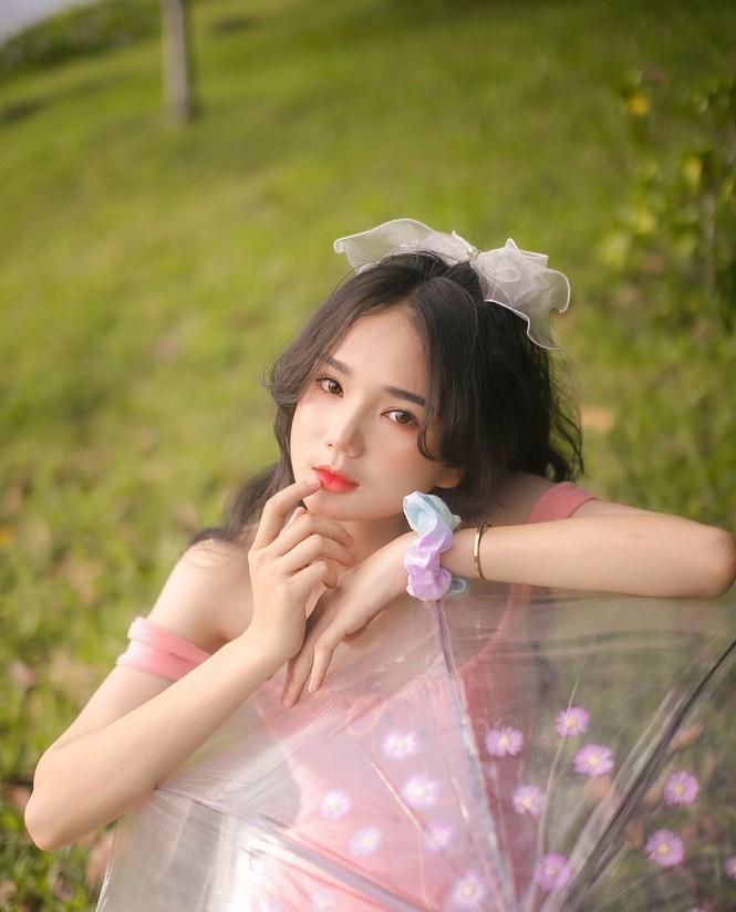 """Nữ sinh 10X Bình Dương sở hữu nhan sắc ngọt ngào tựa """"búp bê lai"""" - ảnh 3"""