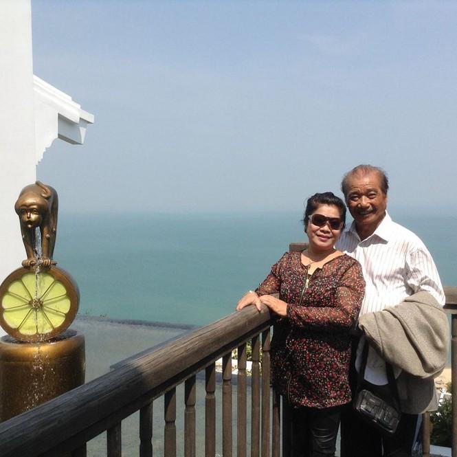 Cuộc sống hạnh phúc ở tuổi 85 của NSND Trần Hiếu và vợ kém 18 tuổi - ảnh 1
