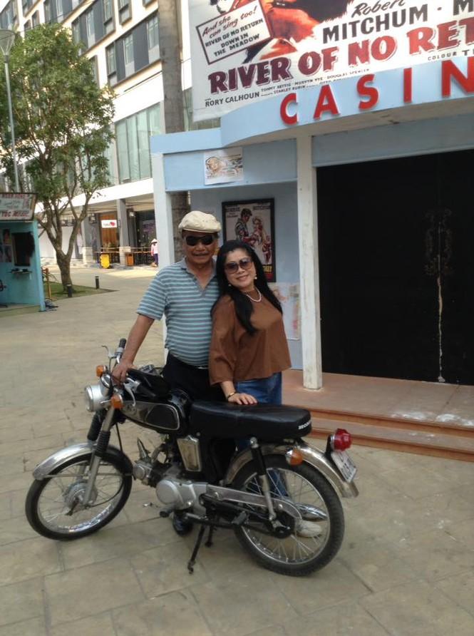 Cuộc sống hạnh phúc ở tuổi 85 của NSND Trần Hiếu và vợ kém 18 tuổi - ảnh 2