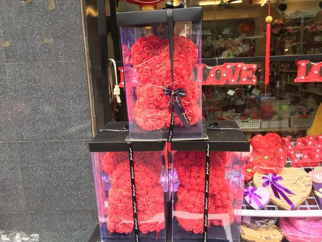 Hoa 'vĩnh cửu' tiền triệu đắt khách dịp Valentine - ảnh 5