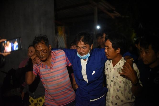 Quê nhà đón 3 thuyền viên bị nạn trong vụ chìm tàu ở Bình Định - ảnh 4