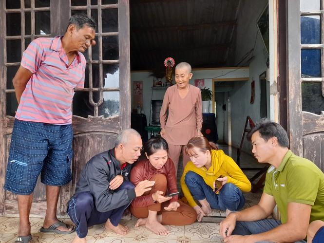 Quê nhà đón 3 thuyền viên bị nạn trong vụ chìm tàu ở Bình Định - ảnh 1