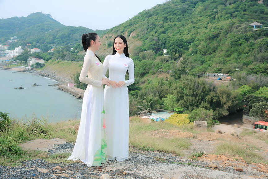 Thí sinh HHVN 2020 đẹp tinh khôi với áo dài trắng, 'check-in' thắng cảnh đẹp ở Vũng Tàu - ảnh 3