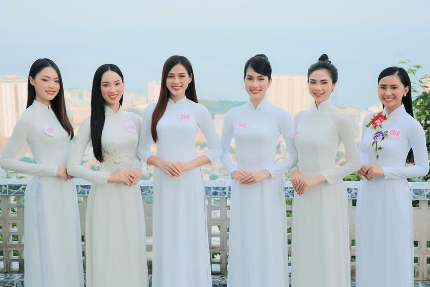Thí sinh HHVN 2020 đẹp tinh khôi với áo dài trắng, 'check-in' thắng cảnh đẹp ở Vũng Tàu - ảnh 8