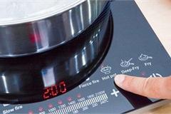 Thói quen tưởng vô hại khiến bếp điện nhanh hỏng, tiền điện tăng chóng mặt