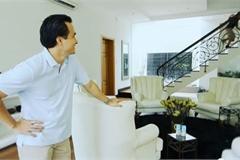 Soi nhà đẹp từ Nam ra Bắc của diễn viên Chi Bảo vừa công khai bạn gái mới