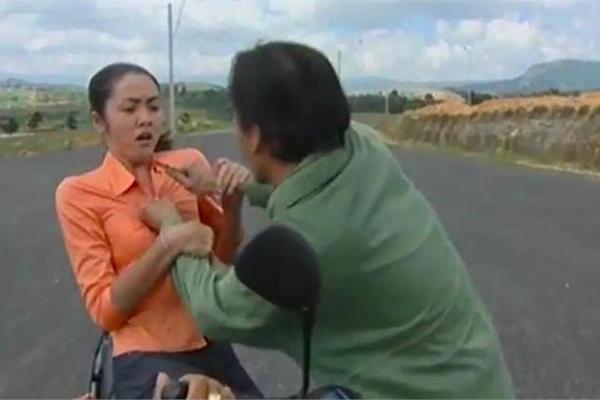 """""""Cảnh nóng"""" năm 16 tuổi và góc khuất ít biết về Tăng Thanh Hà"""