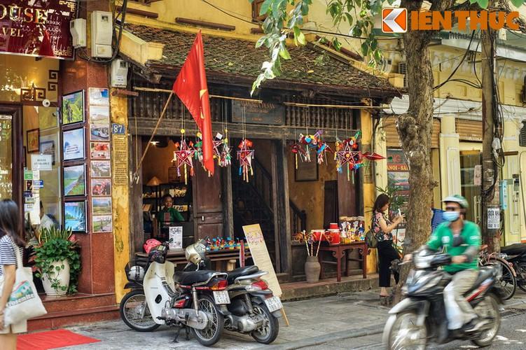 Bat ngo ngoi nha ong tram tuoi dep nhat pho co Ha Noi-Hinh-2